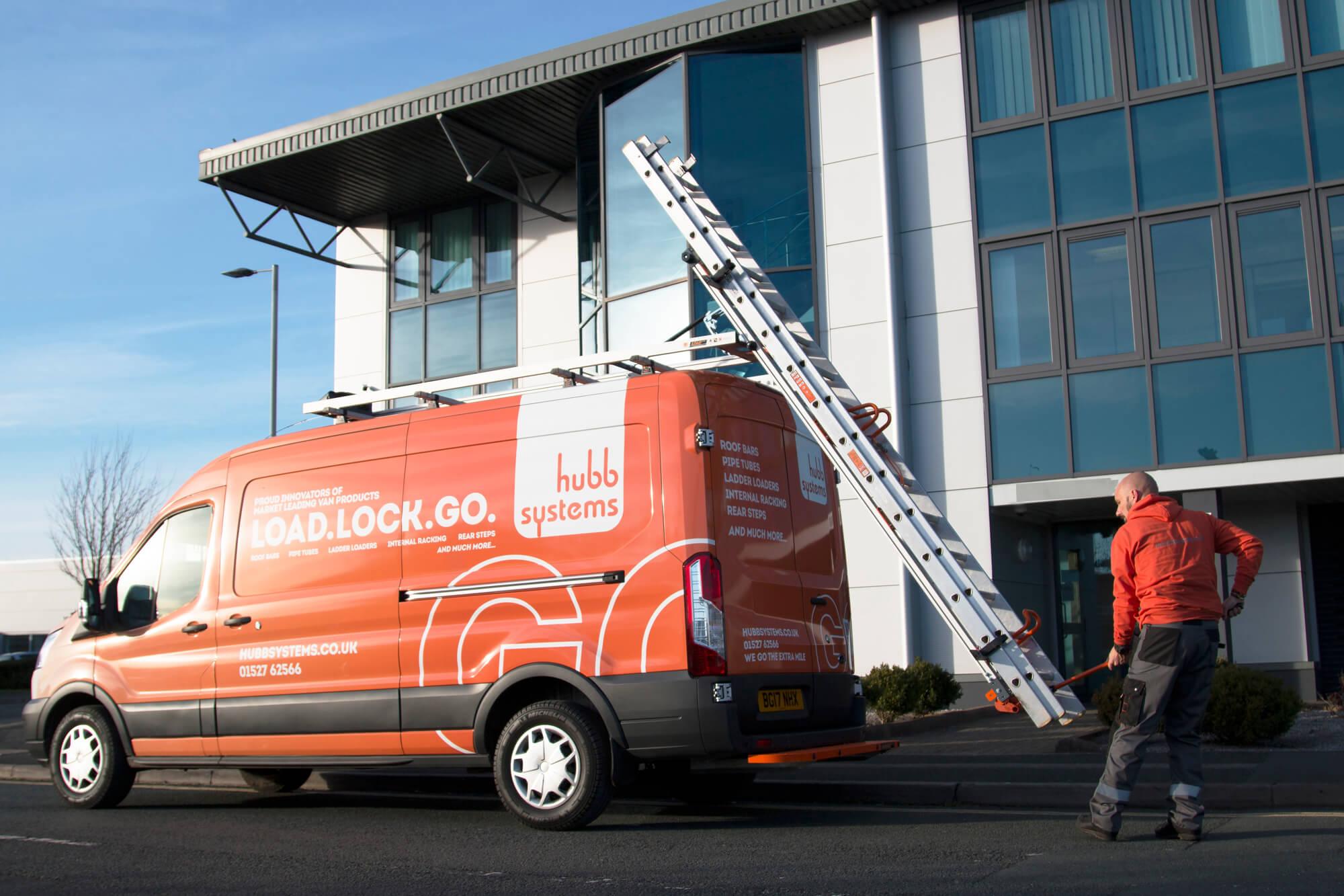 Mobile fleet fitter of van roof racks and van roof bars