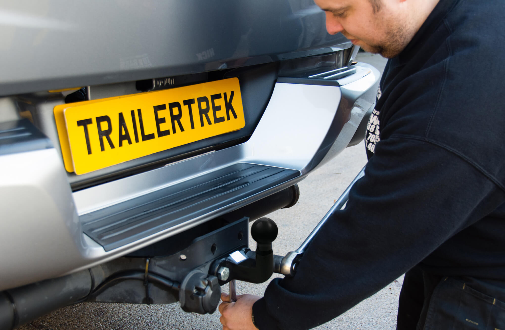 Mobile Towbar Fitter