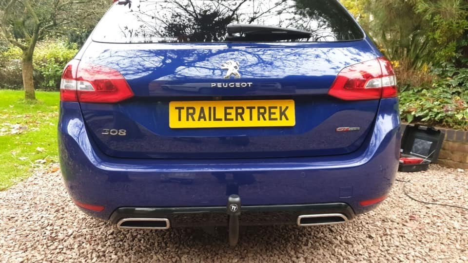 Detacahable Tower fitted by Trailertrek Towbars to a Peugeot 308